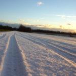 Schnee Fahrrad Spuren Streusalz